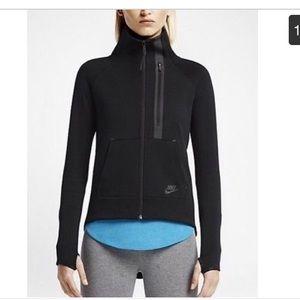 Nike tech fleece moto cape